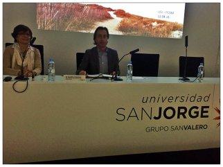 El vicedecano del grado de Publicidad y RRPP, Manuel Viñas, ha sido el encargado de introducir la ponencia